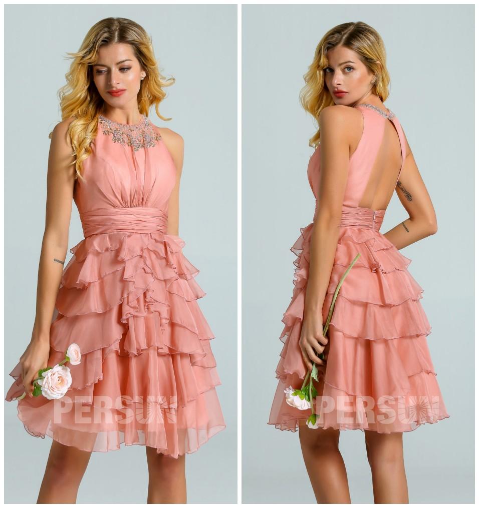robe demoiselle d'honneur courte rose saumon col embelli de strass dos découpé jupe à volant