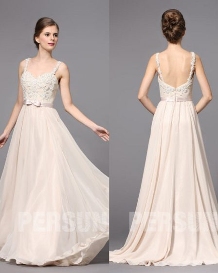 robe de mariée dos nu embelli de fleurs 3d